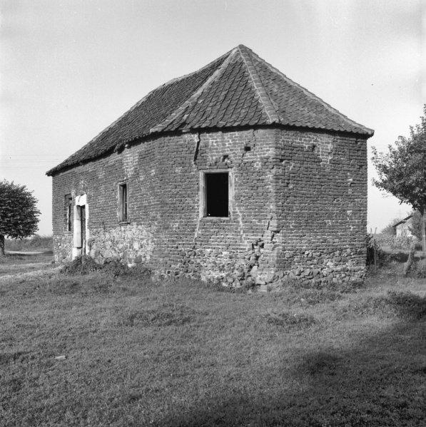 Bestand:15128 Kesseleik vm. RK. Wegkapel Nolissenhof kapel 1892 Maasstraat 28 Lim. Bron RCE (2).jpg